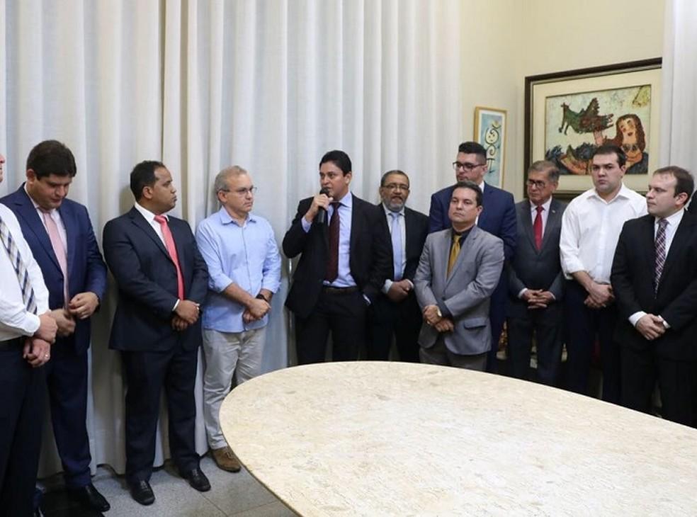 Assinatura do Termo de Cooperação entre o MPPI e a Prefeitura de Teresina  — Foto: Divulgação/MPPI