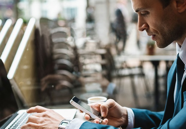 Carreira ; pessoa multitarefa ; fazer várias coisas ao mesmo tempo ; multitasking ; vida moderna ; estresse no trabalho ;  (Foto: Dreamstime)