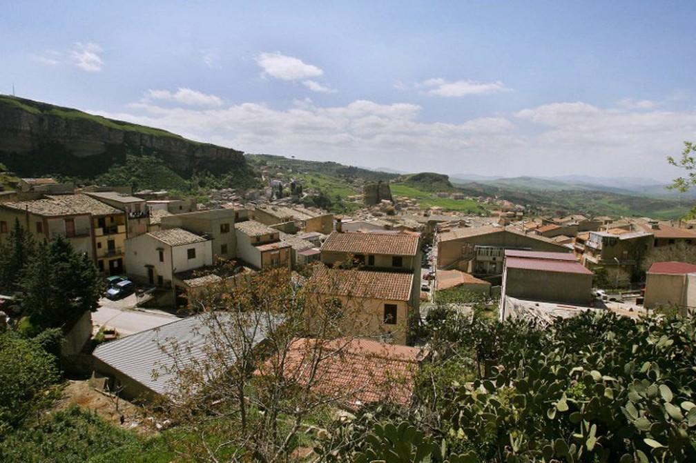 Foto de 12 de abril mostra vila de Corleone, onde nasceu Toto Riina, o poderoso chefão da máfia siciliana   (Foto: Filippo Monteforte / AFP)