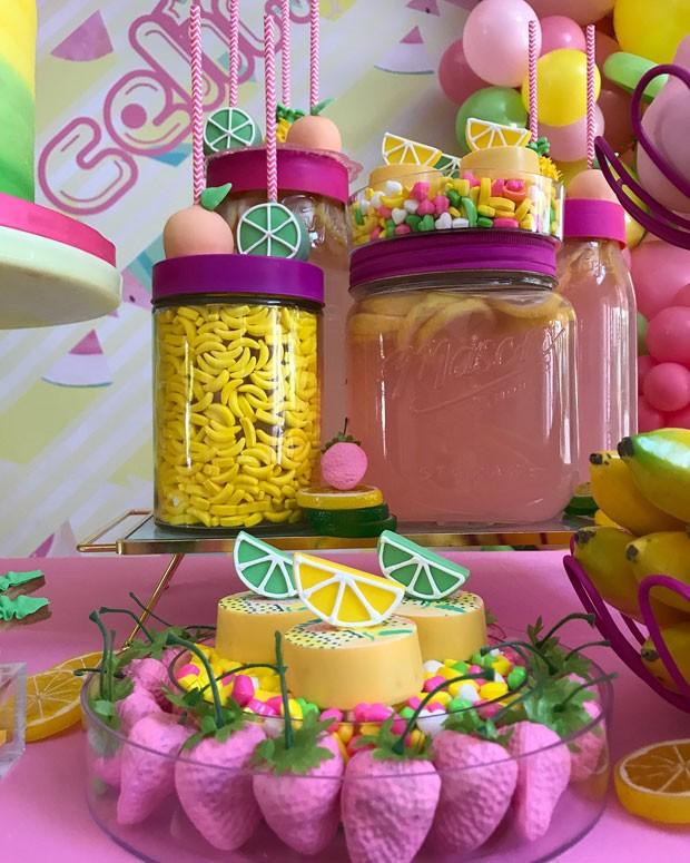Detalhe da mesa de doces (Foto: Reprodução / Instagram @PattyCakesMia)