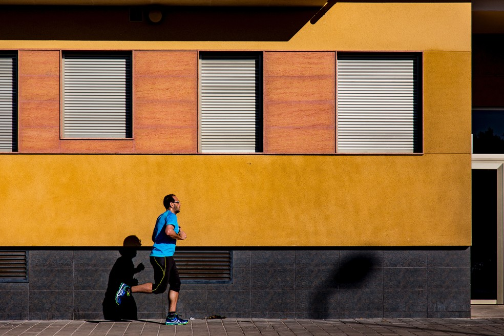 Atividade física na idade adulta diminui risco de depressão em 16%, diz estudo