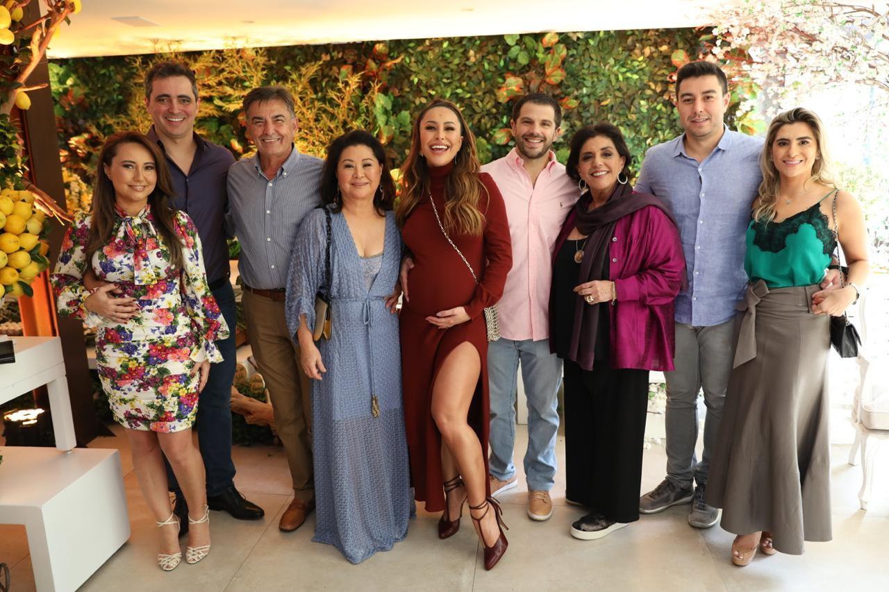 Com a família (Foto: Divulgação)