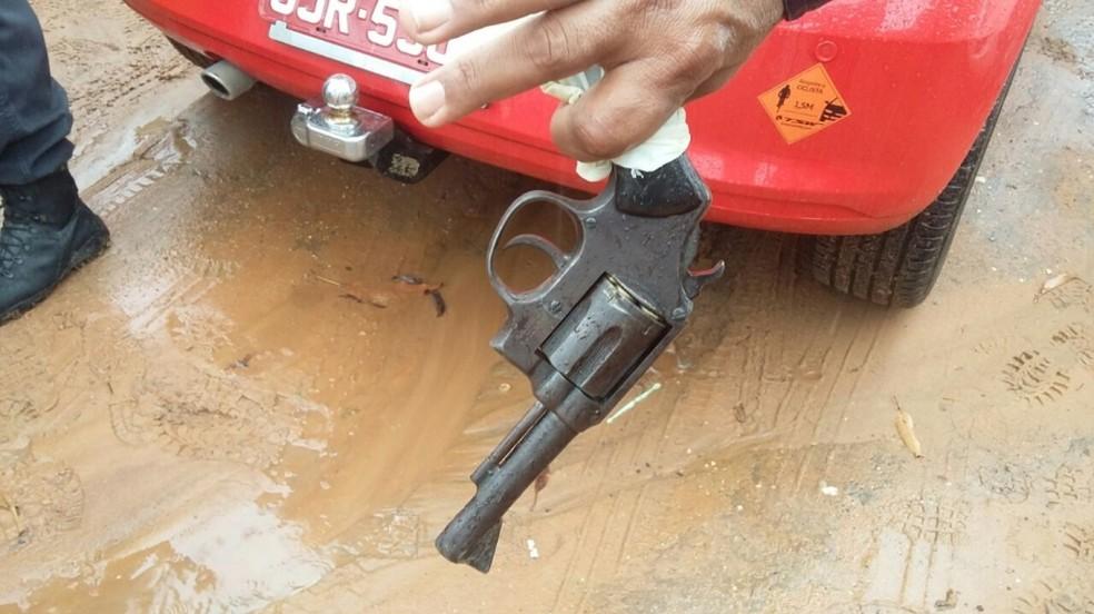 Em troca de tiros com a PM, assaltante é baleado em Mossoró e morre no hospital (Foto: Marcelino Neto)