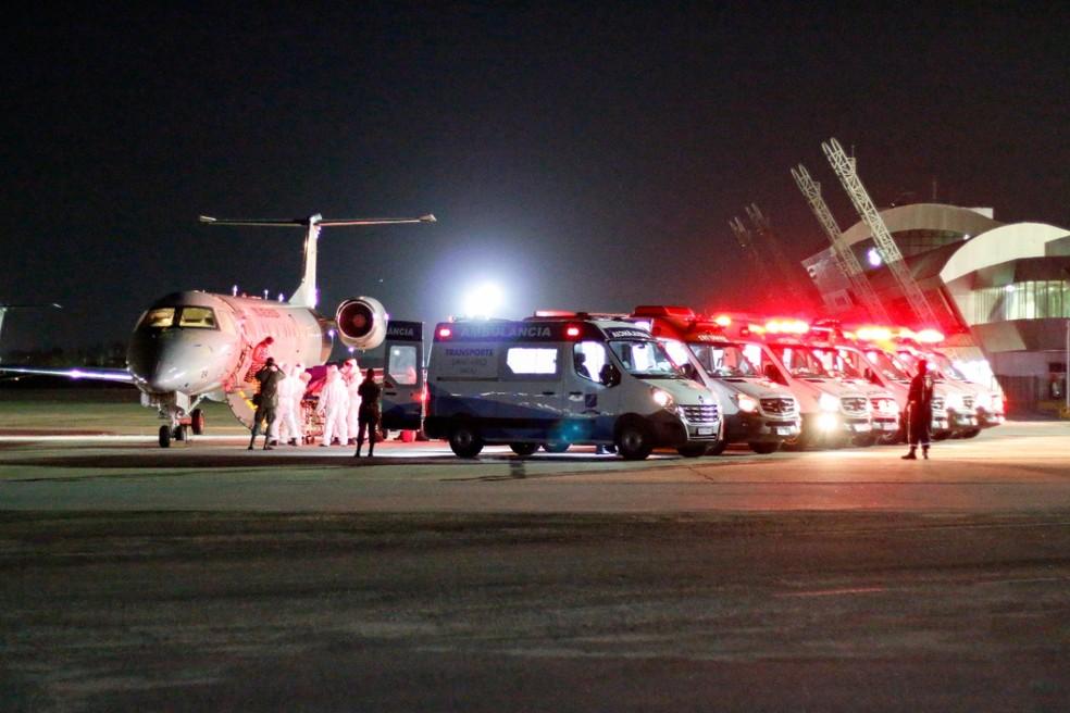 Natal recebe mais 14 pacientes transferidos de Manaus — Foto: Robson Araújo