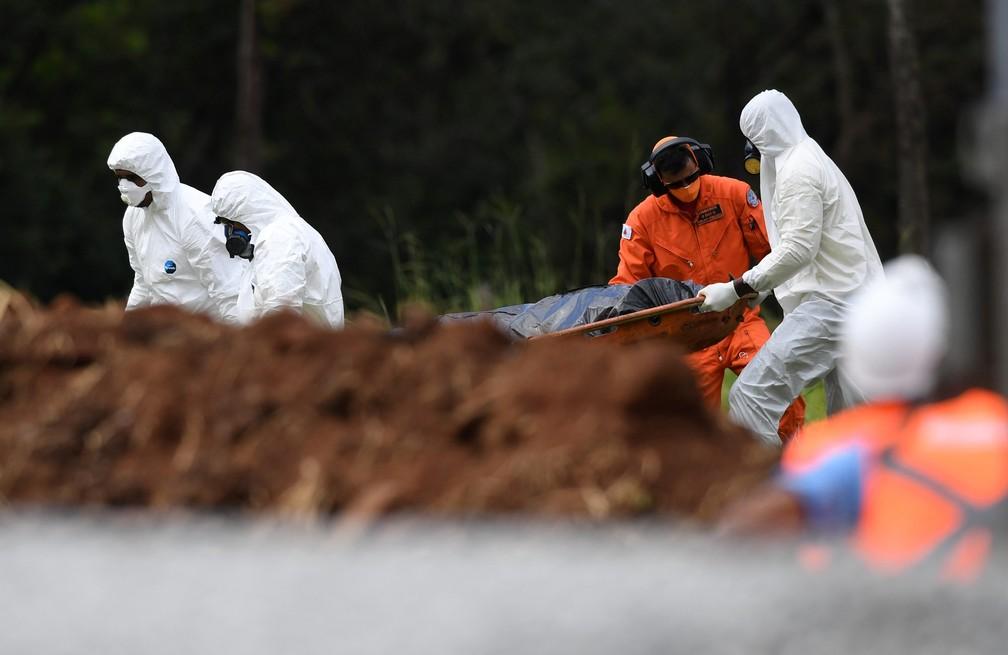 O trabalho de buscas por vítimas do rompimento da barragem da Vale em Brumadinho, em Minas Gerais, é retomado nesta terça-feira, 05. — Foto: ALEX DE JESUS/O TEMPO/ESTADÃO CONTEÚDO