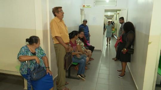 Medicamentos continuam em falta no Hosmac e paciente reclama: 'uma vergonha'
