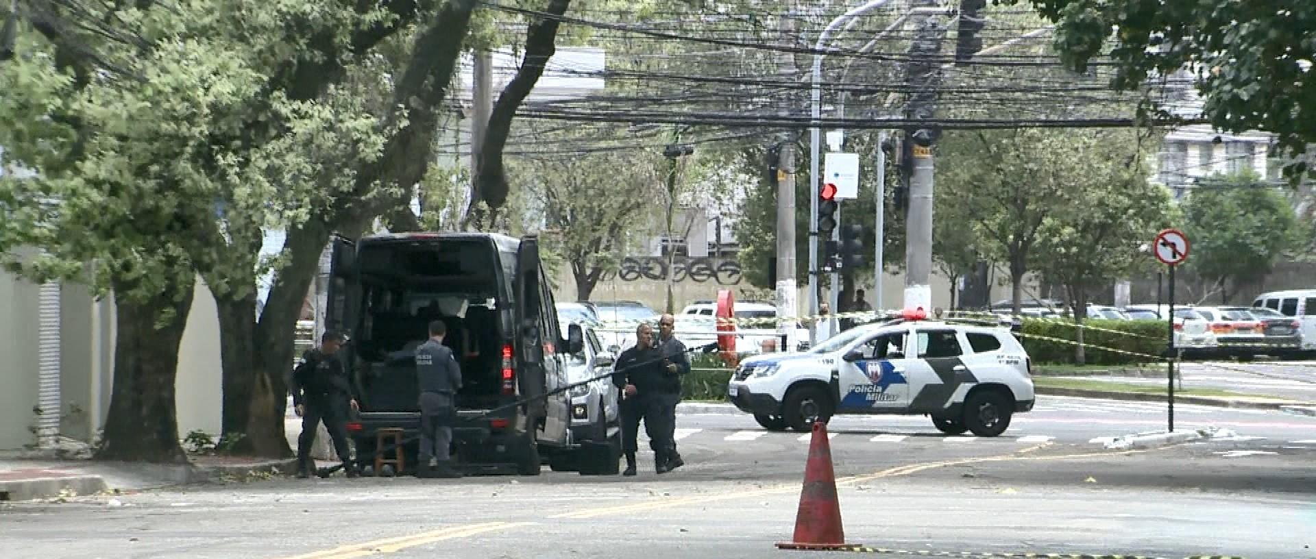 Esquadrão antibombas detona explosivo caseiro encontrado em Vitória