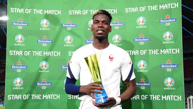 Meio-campista Paul Pogba foi eleito o melhor jogador em campo de França x Alemanha