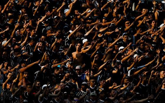 A torcida do Corinthians. A Arena Corinthians teve seu frequentador detalhado por pesquisa com 12 mil corintianos (Foto: Getty Images)