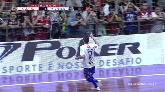 """Herói do Pato, Di María dedica gol do título aos lesionados da equipe: """"Corremos por eles"""""""