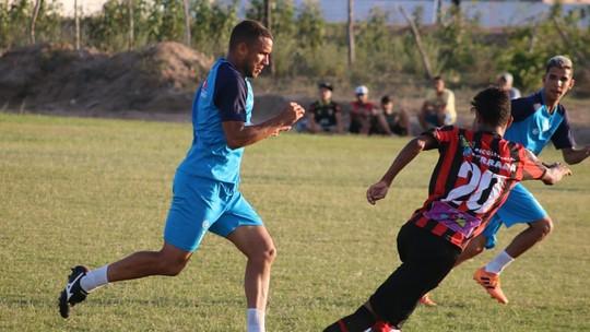 3c5df0d01 Com dois gols de Marcelinho Paraíba e um de Anderson