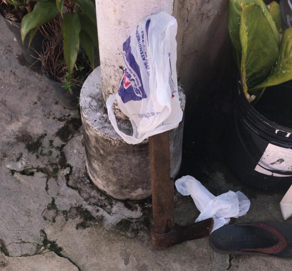 Machado usado para matar comerciante na Zona Sudeste de Teresina — Foto: Divulgação/ Polícia Civil