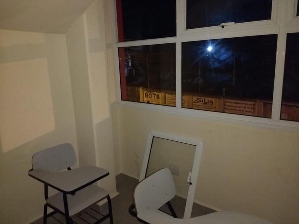 Dupla entrou em escola de enfermagem de Sorocaba pela janela  (Foto: Guarda Civil Municipal/Divulgação)