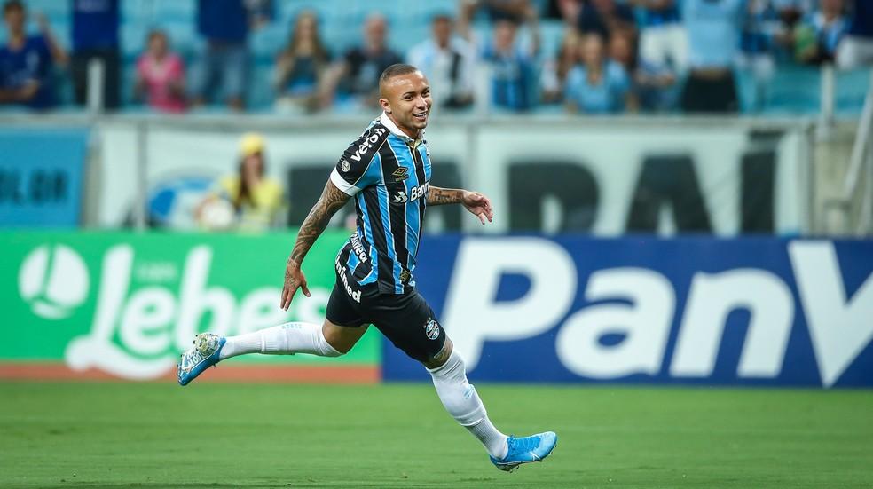 Everton só ficou fora de um minuto das partidas em que atuou  — Foto: Lucas Silva/Divulgação Grêmio