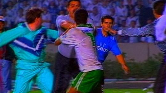 Como o filho de Valber, pivô de briga com Dinho em 1995, foi parar na base do Grêmio