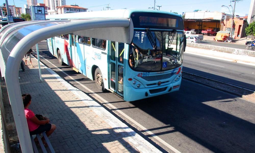 Etufor reforça frota com 31 ônibus extras para o feriado do Dia de Finados em Fortaleza