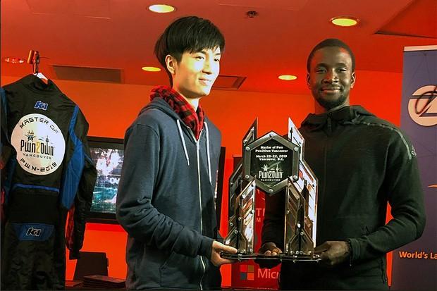 Os hackers Amat Cama e Richard Zhu, da equipe Fluoroacetate (Foto: Reprodução/Twitter)