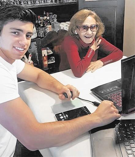 Laura Cardoso e o bisneto Fernando (Foto: Arquivo pessoal)