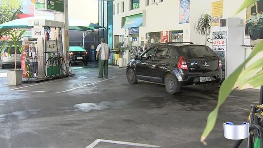 Protesto dos caminhoneiros gera falta de combustível e produtos da região