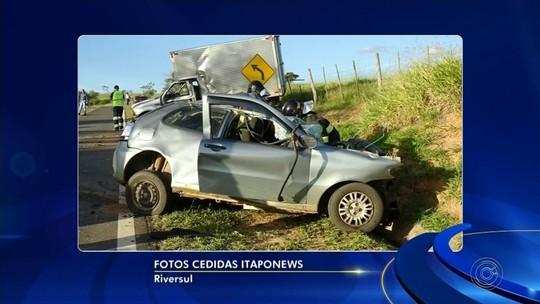 Acidente entre carro e caminhão mata casal de jovens em rodovia; cachorro é resgatado com vida