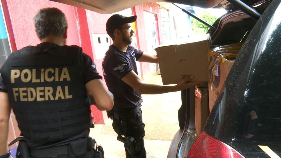 Segundo PF, proprietário da loja estava em viagem e foi preso em Coxim (MS).  — Foto: Rede Amazônica/Reprodução