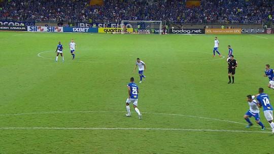 Análise: com repertório limitado, Cruzeiro perde chance de ganhar respiro na luta contra o Z-4