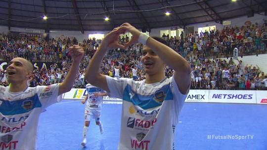 Pato vence o Corinthians e garante vaga na semifinal da Liga Nacional de Futsal