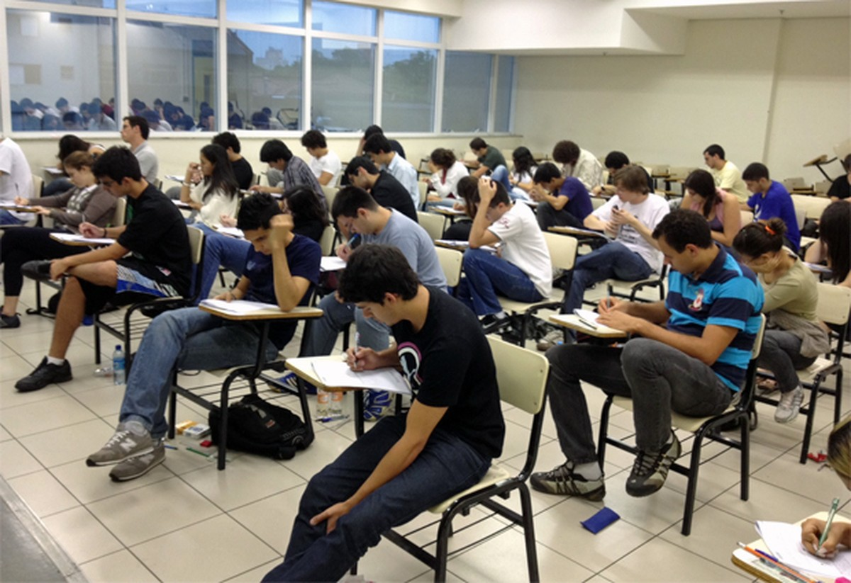 Unicamp aplica 1ª fase do vestibular 2018 para 83,7 mil neste domingo