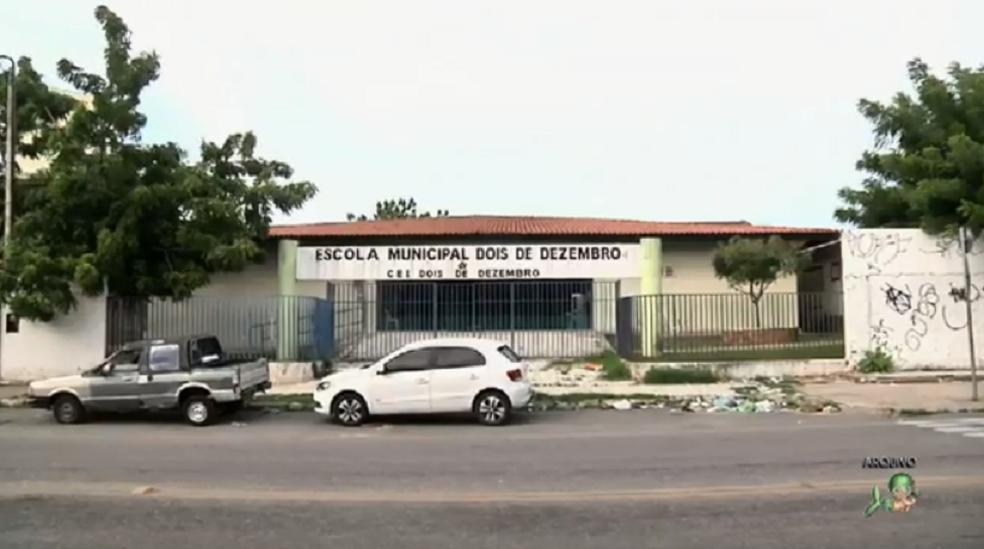 A escola localizada no Bairro Barra do Ceará teve as aulas interrompidas três dias. (Foto: Reprodução/TV Verdes Mares)