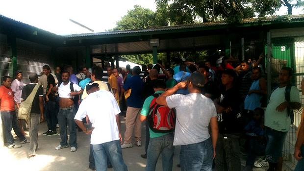 Maracanã: após greve, governador se reúne com Sindicato e obra volta