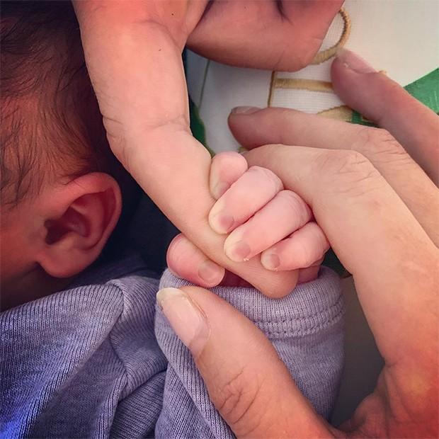 Troian Bellisario e Patrick Adams dão à luz primeira filha (Foto: Reprodução/Instagram)