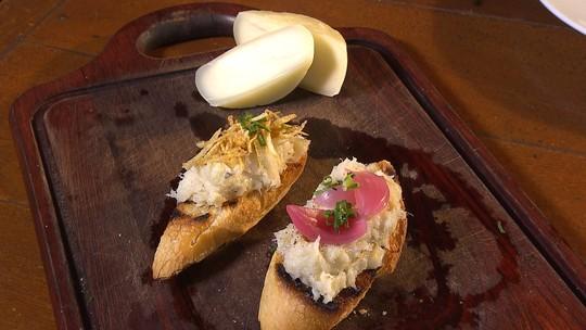 Brandade de bacalhau com queijo de cabra; veja receita
