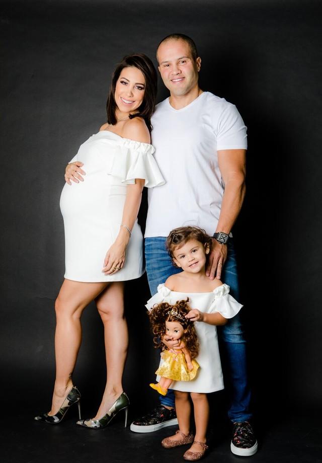 Bella Falconi, Ricardo Maguila e Victoria (Foto: divulgação/Leo Mayrinck)