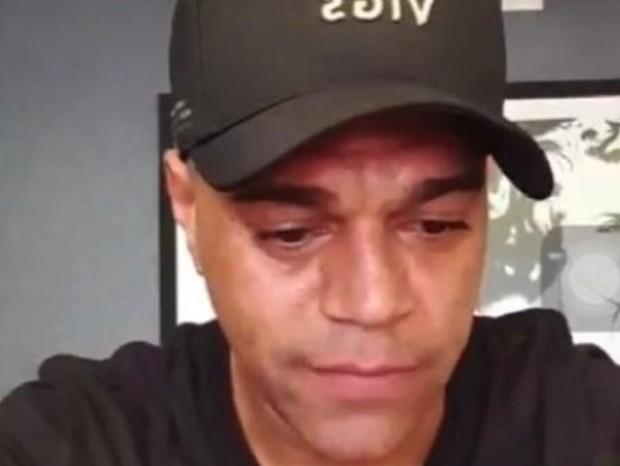 Denilson fala sobre dívida de Belo em live (Foto: Reprodução)
