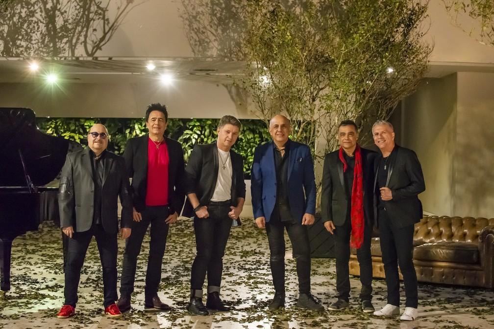 Paulinho, Cleberson, Serginho, Ricardo, Nando e Kiko, integrantes do Roupa Nova — Foto: Giu Pera/Divulgação