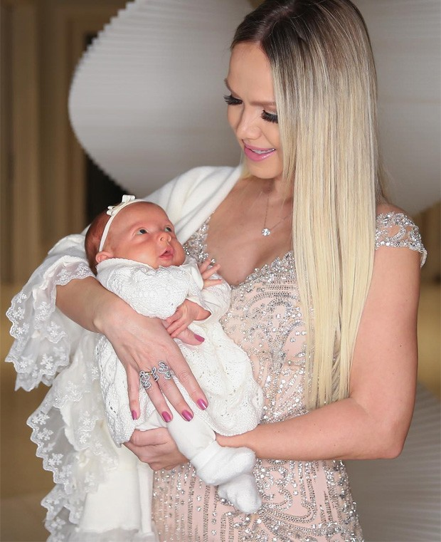 Eliana e a filha, Manuela (Foto: Manuela Scarpa/Brazil News)