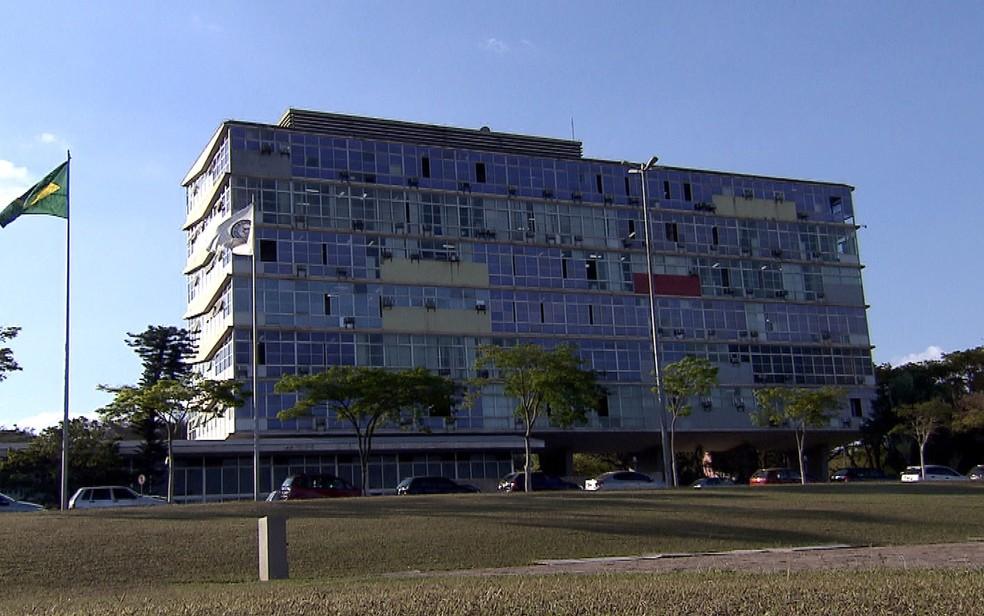 Prédio da reitoria da Universidade Federal de Minas Gerais (UFMG), em Belo Horizonte — Foto: Reprodução/TV Globo