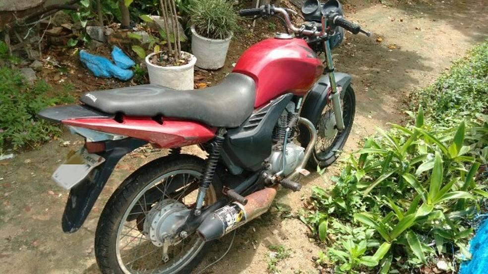Moto foi furtada do pátio da PRF na madrugada desta quinta (18) (Foto: PRF/Divulgação)
