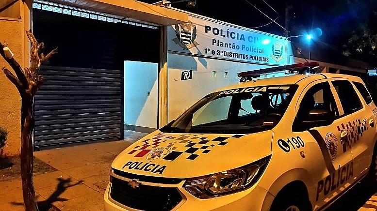 Homem embriagado é preso após causar acidente que deixou jovem ferida em Araraquara, diz B.O