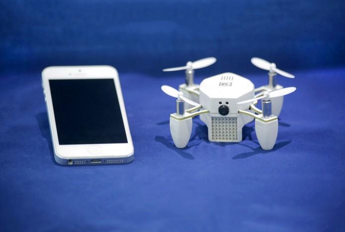 Drone é capaz de voar sozinho e tirar selfies do usuário (foto: Reprodução/Kickstarter)