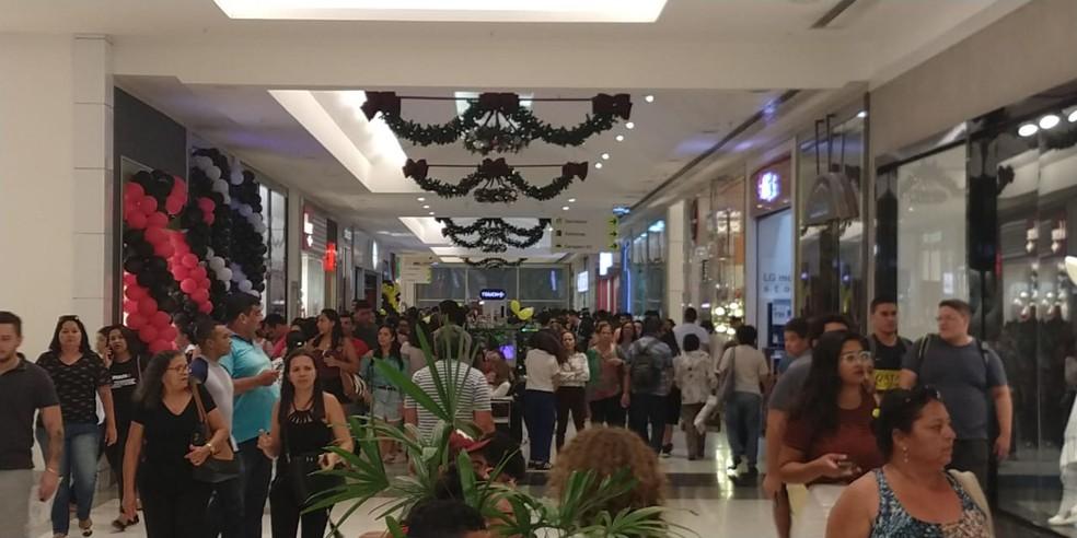 Shopping lotado, durante Black Friday em Natal em 2018 — Foto: Watson Medeiros/Inter TV Cabugi