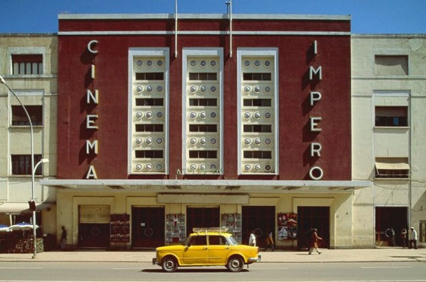 Cinema Impero | Asmara, Eritrea de Edward Denison Photography (Foto: Reprodução Instagram @accidentallywesanderson)