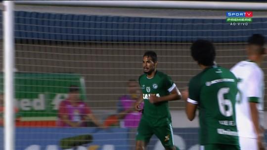 Gols nos acréscimos tiram três pontos do Guarani na Série B e incomodam Umberto