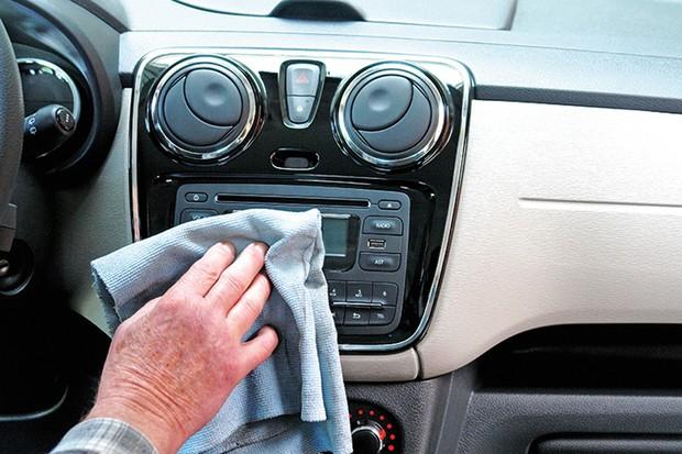 Processo de limpeza do painel não precisa usar silicone (Foto: Pxhere/Reprodução)