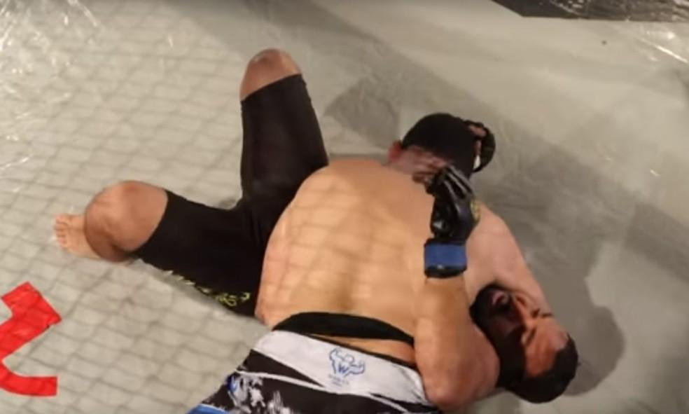 Paulo Filho aplicou katagatame para finalizar rival egípcio (Foto: Reprodução / YouTube)