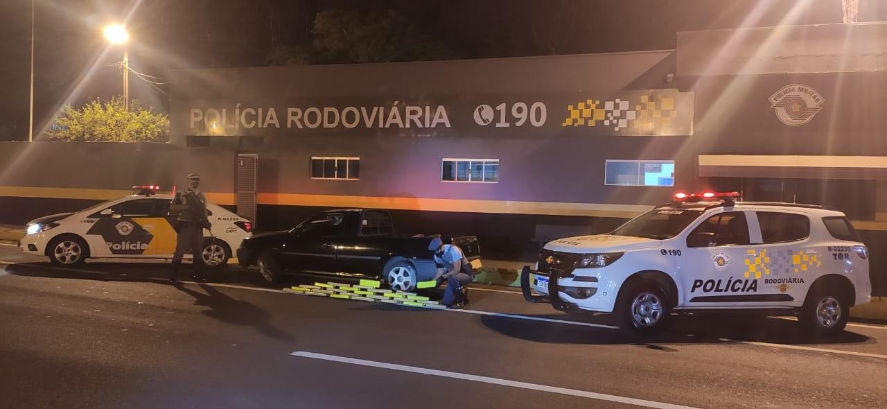 Após perseguição de picape, 22 kg de maconha são apreendidos pela Polícia Rodoviária