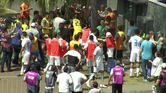 Londrina x Coritiba: árbitro relata em súmula a confusão entre jogadores após o jogo; veja o vídeo