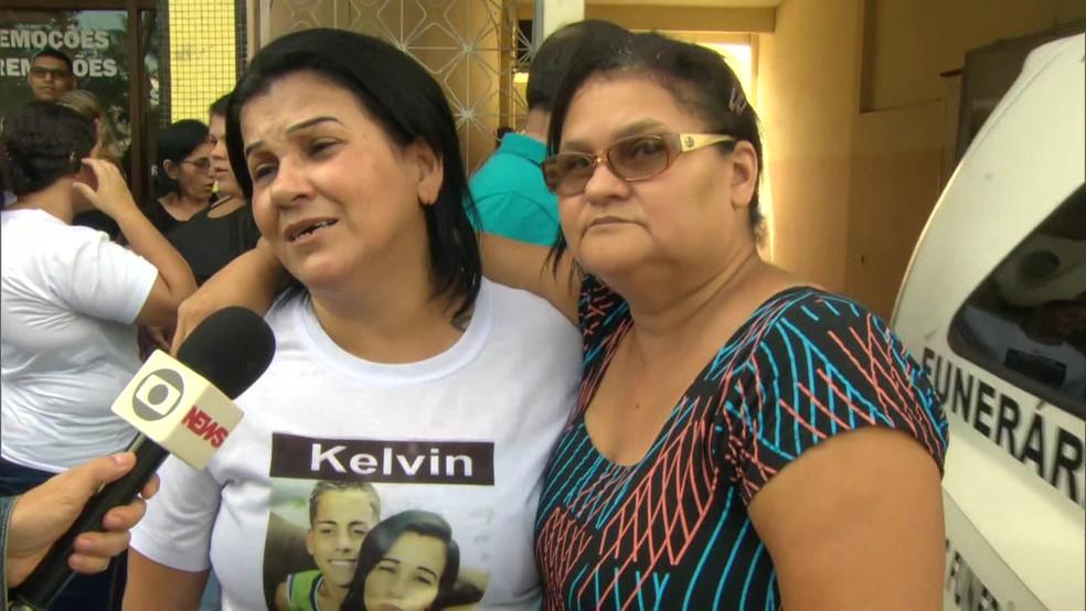 Mãe de Kelvin, morto aos 17 anos, nega que o filho fosse criminoso. — Foto: Reprodução/TV Globo