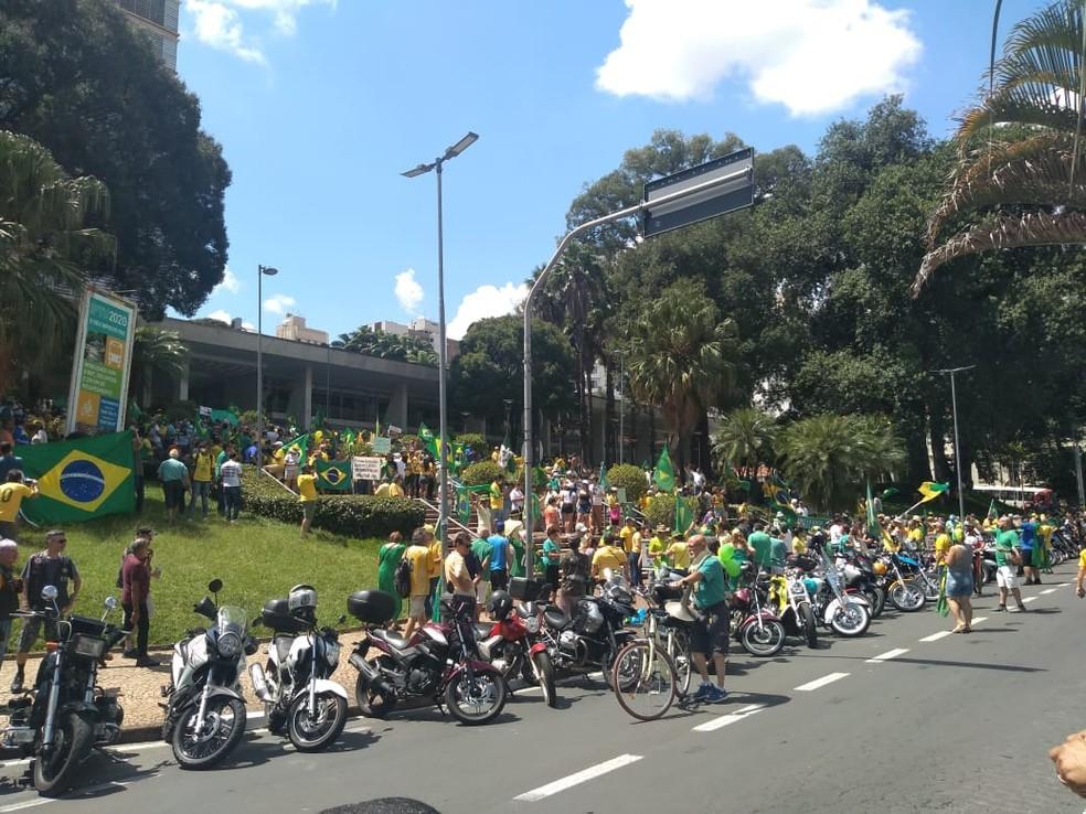 Manifestação em Campinas - 15/03 — Foto: Talita Nonato/EPTV