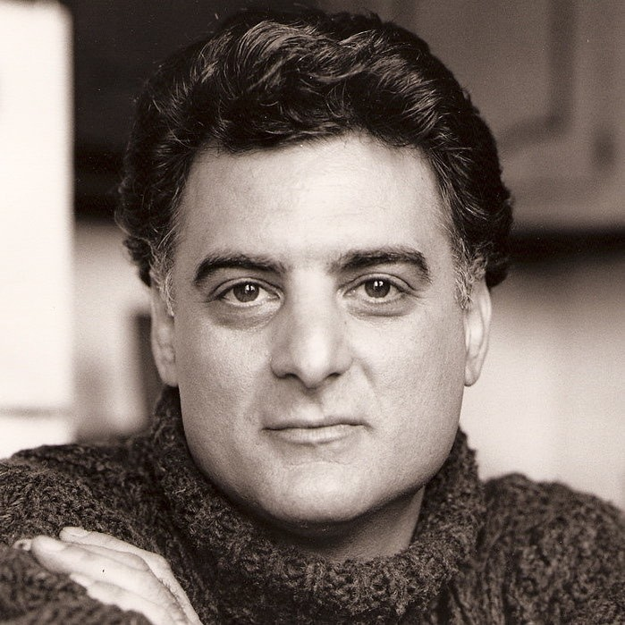 Joseph Siravo, ator de 'Família Soprano', morre aos 64 anos